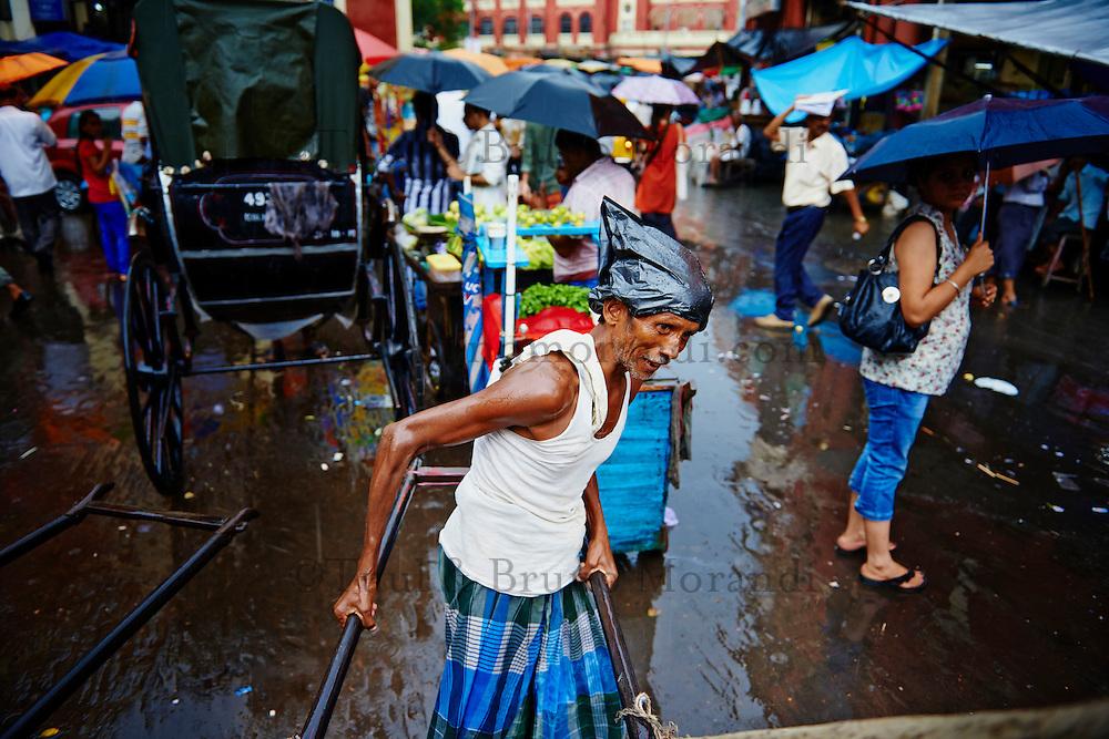 Inde, Bengale-Occidental, Kolkata, Les derniers rickshaw de Calcutta, rickshaw dans les rues de la ville // India, West Bengal, Kolkata, Calcutta, the last day of rikshaw of Kolkata, rickshaw on the street