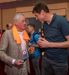 30-05-2019 NED: Volleyball Nations League Netherlands - Poland, Apeldoorn<br /> VIP room - Bas en Hans Nieukerke