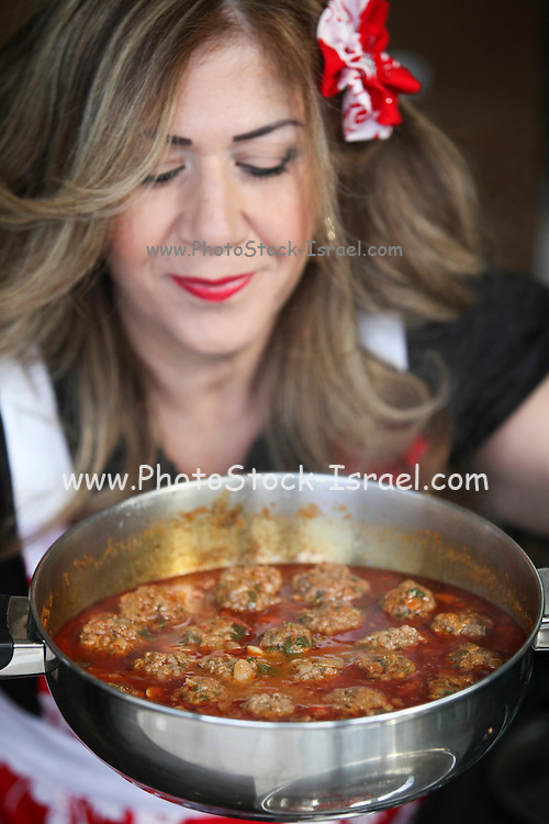 Smadar (Smady) Vaknin (Israeli Master Chef finalist) cooking in her kitchen