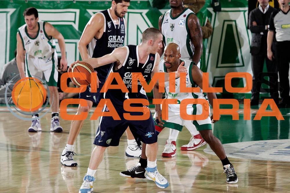 DESCRIZIONE : Avellino Lega A 2008-09 Air Avellino GMAC Fortitudo Bologna<br /> GIOCATORE : Marcelo Huertas<br /> SQUADRA : GMAC Fortitudo Bologna<br /> EVENTO : Campionato Lega A 2008-2009 <br /> GARA : Air Avellino GMAC Fortitudo Bologna<br /> DATA : 05/04/2009<br /> CATEGORIA : palleggio<br /> SPORT : Pallacanestro <br /> AUTORE : Agenzia Ciamillo-Castoria/A.De Lise