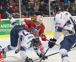 11.09.2015, Stadthalle, Klagenfurt, AUT, EBEL, EC KAC vs Fehervar AV 19, im Bild Attila Orban (Fehervar AV 19, #57), Manuel Geier (EC KAC, #21), Ferenc Kocsis (Fehervar AV 19, #9) // during the Erste Bank Eishockey League match betweeen EC KAC and Fehervar AV 19 at the City Hall in Klagenfurt, Austria on 2015/09/10. EXPA Pictures © 2015, PhotoCredit: EXPA/ Gert Steinthaler