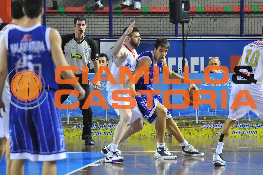 DESCRIZIONE : Foligno LNP Lega Nazionale Pallacanestro Serie A Dilettanti Coppa Italia 2009-10 VemSistemi Forli Amori Fortitudo Bologna<br /> GIOCATORE :&nbsp;Genovese <br /> SQUADRA : VemSistemi Forli Amori Fortitudo Bologna<br /> EVENTO : Lega Nazionale Pallacanestro 2009-2010&nbsp;<br /> GARA : VemSistemi Forli Amori Fortitudo Bologna<br /> DATA : 02/04/2010<br /> CATEGORIA : Palleggio<br /> SPORT : Pallacanestro&nbsp;<br /> AUTORE : Agenzia Ciamillo-Castoria/M.Gregolin<br /> Galleria : Lega Nazionale Pallacanestro 2009-2010&nbsp;<br /> Fotonotizia : Foligno LNP Lega Nazionale Pallacanestro Serie A Dilettanti Coppa Italia 2009-10 VemSistemi Forli Amori Fortitudo Bologna<br /> Predefinita :&nbsp;