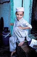 Pakistan, Khyber Pakhtunkhwa, Peshawar, Young Pathan boy // Pakistan, Khyber Pakhtunkhwa, Peshawar, Enfant Pathan