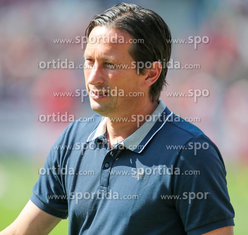 22.08.2015, HDI Arena, Hannover, GER, 1. FBL, Hannover 96 vs Bayer 04 Leverkusen, 2. Runde, im Bild Roger Schmidt (Trainer, Bayer 04 Leverkusen) // during the German Bundesliga 2nd round match between Hannover 96 and Bayer 04 Leverkusen at the HDI Arena in Hannover, Germany on 2015/08/22. EXPA Pictures &copy; 2015, PhotoCredit: EXPA/ Eibner-Pressefoto/ Deutzmann<br /> <br /> *****ATTENTION - OUT of GER*****