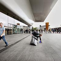 Nederland, Amsterdam , 23 september 2012..Vanmorgen om 10.00u ging het Stedelijk museum weer open voor publiek na een jarenlange verbouwing..Stedelijk Museum Amsterdam (Museum for Modern Art) opened its doors after being closed for more than 8 years.