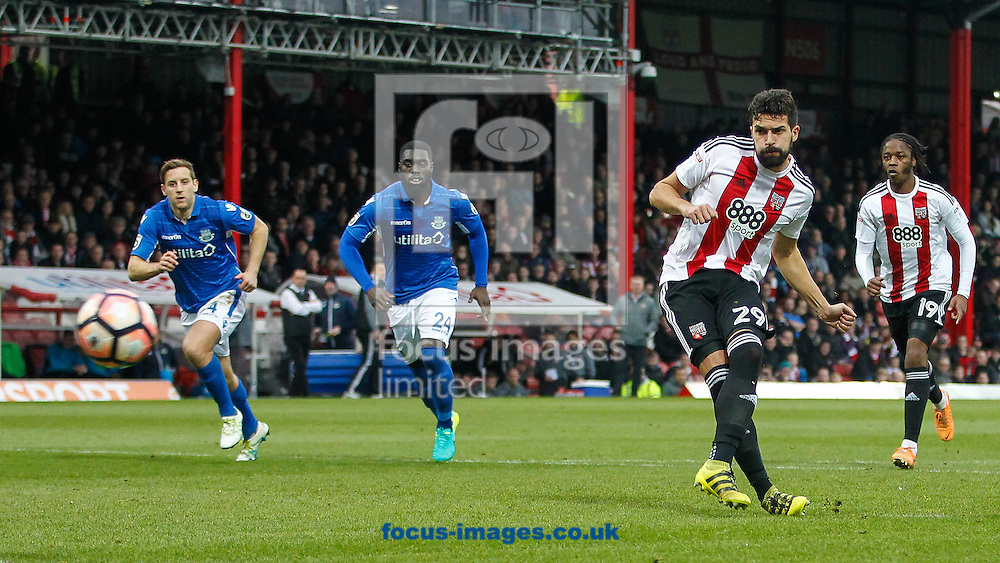 Yoann Barbet of Brentford scores from the spot for the first goal during the FA Cup 3rd round match between  Brentford and Eastleigh FC at Griffin Park, London<br /> Picture by Mark D Fuller/Focus Images Ltd +44 7774 216216<br /> 07/01/2017