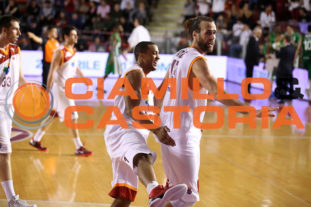 DESCRIZIONE : Roma Lega A 2012-13 Acea Roma Sidigas Avellino<br /> GIOCATORE : Luigi Datome Jordan Taylor<br /> CATEGORIA : esultanza<br /> SQUADRA : Acea Roma<br /> EVENTO : Campionato Lega A 2012-2013 <br /> GARA : Acea Roma Sidigas Avellino<br /> DATA : 07/04/2013<br /> SPORT : Pallacanestro <br /> AUTORE : Agenzia Ciamillo-Castoria/ElioCastoria<br /> Galleria : Lega Basket A 2012-2013  <br /> Fotonotizia : Roma Lega A 2012-13 Acea Roma Sidigas Avellino<br /> Predefinita :