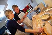 Sissy & Stefanie Sonnleitner Landhaus, Restaurant, Genusswerkstatt. Krendlkurs (Karntnernudel cooking course) with Sissy Sonnleitner.