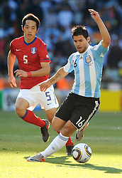 17.06.2010, Soccer City Stadium, Johannesburg, RSA, FIFA WM 2010, Argentinien vs Südkorea im Bild Sergio Aguero (Argentina), EXPA Pictures © 2010, PhotoCredit: EXPA/ InsideFoto/ G. Perottino, ATTENTION! FOR AUSTRIA AND SLOVENIA ONLY!!! / SPORTIDA PHOTO AGENCY