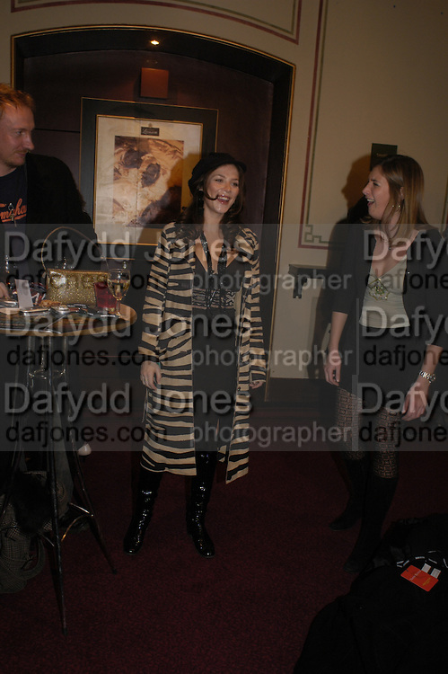 Anna Friel, Opening night of Dralion. Cirque de Soleil's 20th anniversary. Royal Albert Hall. 6 jan 2005. ONE TIME USE ONLY - DO NOT ARCHIVE  © Copyright Photograph by Dafydd Jones 66 Stockwell Park Rd. London SW9 0DA Tel 020 7733 0108 www.dafjones.com