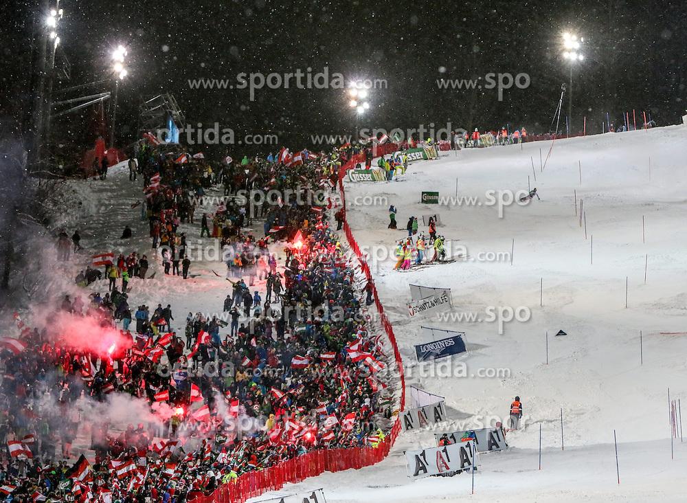 27.01.2015, Planai, Schladming, AUT, FIS Weltcup Ski Alpin, Nightrace, Slalom, Herren, 2. Durchgang, im Bild Marcel Hirscher (AUT) und Fans mit bengalischen Feuern // Marcel Hirscher of Austria and fans during 2nd run of mens slalom of the Schladming FIS Ski Alpine World Cup at the Planai course in Schladming, Austria on 2015/01/27. EXPA Pictures © 2015, PhotoCredit: EXPA/ Martin Huber