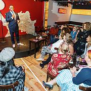 NLD/Amsterdam/20150901 - Perspresentatie LULverhalen 2015 dames editie, toespraak Howard Komproe