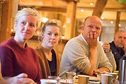 Trygve Magnus Slagsvold Vedum (født 1. desember 1978 i Hamar) er en norsk gårdbruker og politiker (Sp). Han har vært leder i Senterpartiet siden våren 2014 og innvalgt på Stortinget fra Hedmark siden høsten 2005. Han hadde ulike verv i Senterungdommen fra 1993, og satt som leder i organisasjonen på landsplan 2002–2004. Vedum hadde ulike verv i Senterungdommen fra 1993, og satt som leder i organisasjonen på landsplan 2002–2004. Han var også medlem av Hedmark fylkesting 1999–2005. Av andre verv kan nevnes styremedlem i Nei til atomvåpen og Nei til EU 2005–2007. Han har vært innvalgt på Stortinget fra Hedmark siden 2005, og satt som medlem av Stortingets kommunal- og forvaltningskomité 2005–2008, 1. nestleder i Stortingets helse- og omsorgskomité og 2. visepresident i Odelstinget 2008–2009 samt parlamentarisk leder og medlem av Stortingets utenriks- og forsvarskomité 2009–2012. Slagsvold Vedum var landbruksminister i Jens Stoltenbergs andre regjering fra juni 2012 til regjeringsskiftet etter stortingsvalget i 2013. Fra høsten 2013 er han medlem av Stortingets finanskomite. På landsmøtet i mars 2009 ble han valgt til 2. nestleder i Senterpartiet, noe han var frem til han ble valgt til partileder i april 2014. Da han ble valgt som 35-åring, ble han Senterpartiets yngste leder noensinne. (Wikip.)