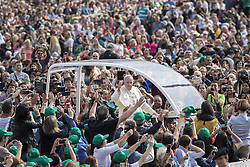 September 21, 2016 - Vatican City, Vatican - Pope Francis rides on the Popemobile through the crowd of the faithful as he arrives to celebrate his Weekly General Audience in St. Peter's Square in Vatican City, Vatican on September 21, 2016. (Credit Image: © Giuseppe Ciccia/Pacific Press via ZUMA Wire)