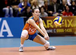 14-12-2006 VOLLEYBAL: DELA MARTINUS - VINO MONTESCHIAVO JESI: AMSTELVEEN<br /> Martinus verloor in vier sets, maar is nog steeds kansrijk om de eerste ronde van deze Europese topcompetitie te overleven (22-25, 17-25, 25-22, 22-25) / Janneke van Tienen<br /> ©2006: FOTOGRAFIE RONALD HOOGENDOORN