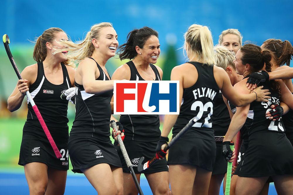 RIO DE JANEIRO, BRAZIL - AUGUST 10:  New Zealand players celebrate as Kelsey Smith of New Zealand scores their first goal during the Women's Pool A Match between Spain and New Zealand on Day 5 of the Rio 2016 Olympic Games at the Olympic Hockey Centre on August 10, 2016 in Rio de Janeiro, Brazil.  (Photo by Mark Kolbe/Getty Images)