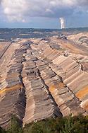 Europa, Deutschland, Nordrhein-Westfalen, Braunkohletagebau Hambach, Betreiber RWE Power AG, im Hintergrund das Kraftwerk Weissweiler.<br /> <br /> Europe, Germany, North Rhine-Westphalia, brown coal opencast mining Hambach, operated by RWE Power AG, in the background the power plant Weissweiler.