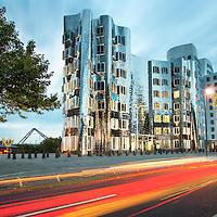 Der neue Zollhof Düsseldorf , Nutzer: Kunst- und Medienzentrum Rheinhafen , Architekt: Frank O. Gehry , Fertigstellung: 1999 , freie Arbeit