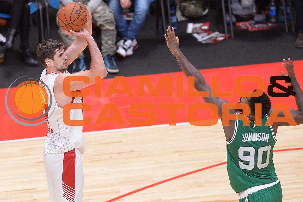 DESCRIZIONE : Milano NBA Global Games EA7 Olimpia Milano - Boston Celtics<br /> GIOCATORE : Stanko Barac<br /> CATEGORIA : Tiro<br /> SQUADRA :  Olimpia EA7 Emporio Armani Milano<br /> EVENTO : NBA Global Games 2016 <br /> GARA : NBA Global Games EA7 Olimpia Milano - Boston Celtics<br /> DATA : 06/10/2015 <br /> SPORT : Pallacanestro <br /> AUTORE : Agenzia Ciamillo-Castoria/IvanMancini<br /> Galleria : NBA Global Games 2016 Fotonotizia : NBA Global Games EA7 Olimpia Milano - Boston Celtics