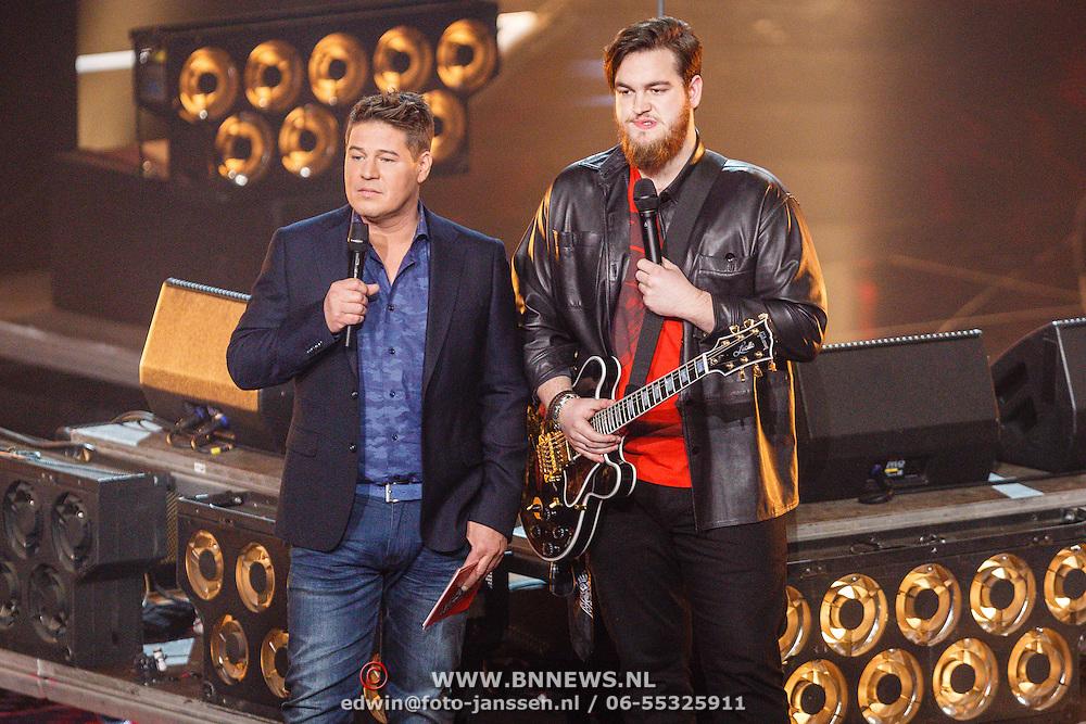 NLD/Hilversum/20160122 - 6de live uitzending The Voice of Holland 2016, Martijn Krabbe en Dave Vermeulen