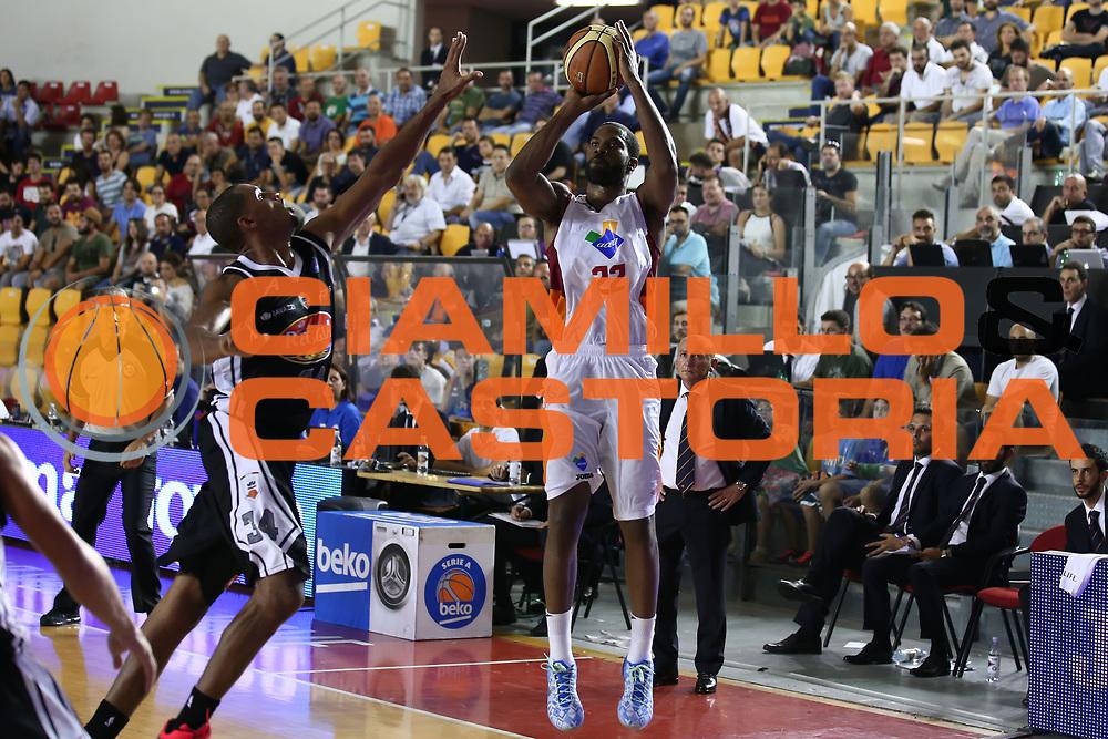 DESCRIZIONE : Roma Lega A 2014-15 Acea Roma Pasta Reggio Caserta<br /> GIOCATORE : Kyle Gibson <br /> CATEGORIA : tiro<br /> SQUADRA : Acea Roma<br /> EVENTO : Campionato Lega A 2014-2015<br /> GARA : Acea Roma Pasta Reggio Caserta<br /> DATA : 12/10/2014<br /> SPORT : Pallacanestro <br /> AUTORE : Agenzia Ciamillo-Castoria/ElioCastoria<br /> Galleria : Lega Basket A 2014-2015 <br /> Fotonotizia : Roma Lega A 2014-15 Acea Roma Pasta Reggio Caserta