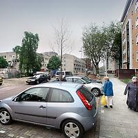 Nederland, Amsterdam , 10 juni 2010.. Sam van Houtenstraat in de wijk Geuzenveld, waar de politieke partij PVV veel aanhangers heeft...Foto:Jean-Pierre Jans
