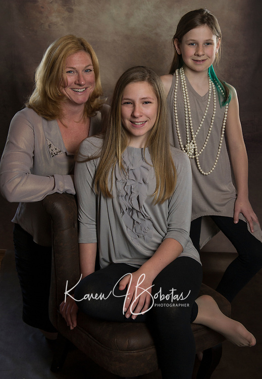 Catrina and the girls photo session. ©2017 Karen Bobotas Photographer