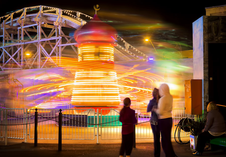 17/11/2012 FCNV CDS. Luna Park at night, twilight. Luna Park will celebrate it's 100th birthday on 13th December 2012..Picture By Craig Sillitoe. This photograph can be used for non commercial uses with attribution. Credit: Craig Sillitoe Photography / http://www.csillitoe.com<br />