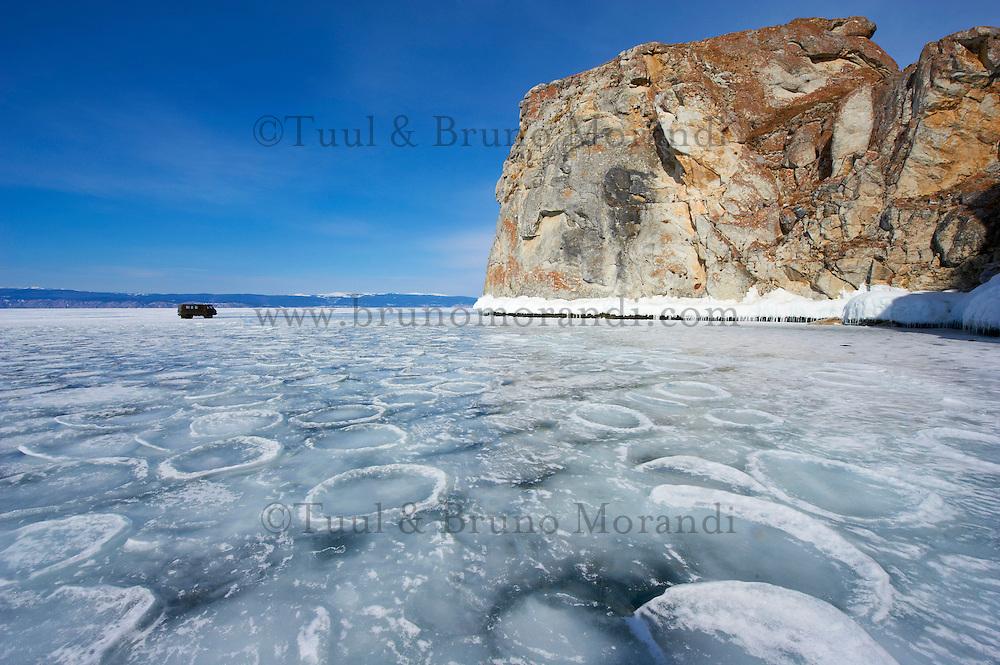 Russie, Siberie, Oblast d'Irkoutsk, lac Baikal, Maloe More ( petite mer), le lac gelé pendant l'hiver, ile d'Olkhon// Russia, Siberia, Irkutsk oblast, Baikal lake, Maloe More (little sea), frozen lake during winter, Olkhon island