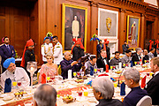 Zijne Majesteit Koning Willem-Alexander en Hare Majesteit Koningin Máxima brengen op uitnodiging van president Ram Nath Kovind een staatsbezoek aan de Republiek India.<br /> <br /> His Majesty King Willem-Alexander and Her Majesty Queen Máxima on a state visit to the Republic of India at the invitation of President Ram Nath Kovind.<br /> <br /> Op de foto / On the photo: Welkomstceremonie op presidentiele residentie (Rashtrapati Bhaven) // Welcome ceremony at presidential residence (Rashtrapati Bhaven)