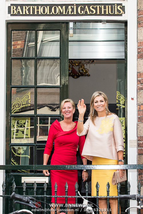 NLD/Utrecht/20170824 -  Koningin Maxima bij viering 650 jaar Bartholomeus Gasthuis, Koningin Maxima en Willy van Egdom