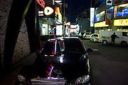 Luxus Auto in einem angrenzenden Viertel zum Campus der Chung-Ang Universitaet in Anseong - ung. 80 Km von Seoul gelegen. <br /> <br /> Luxery car at a quater close to the campus of the Chung-Ang University - located in Anseong about 80 Km from Seoul.