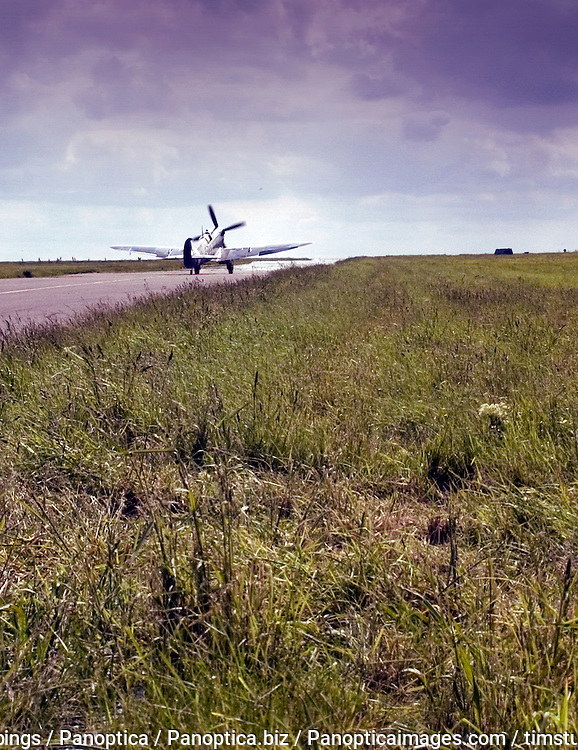 spitfire; warbird; aeroplane; plane; fighter; classic; legend; ww2; world; war; two; 2; dogfight; battle; britain; british; icon; aircraft; piston; royal; air; force; propeller
