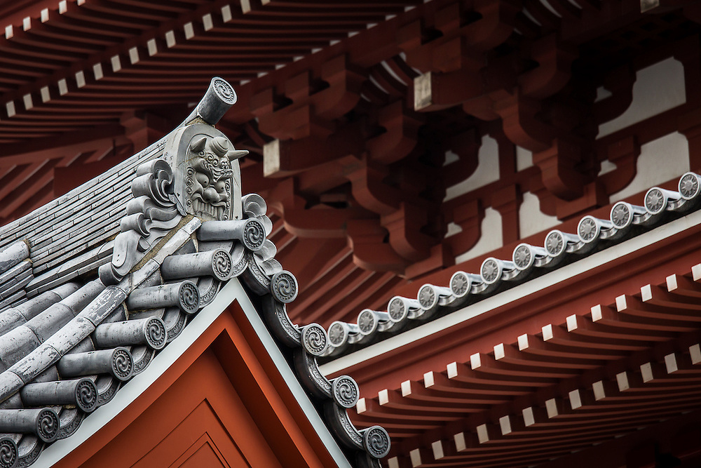 The roofs of Sensoji Temple in Asakusa are full of ineresting details, such as horned demon faces.