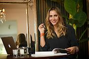 Maria Paz Blanco, Psicóloga y asesora de imagen, a través de su sitio web Effortless Chic, es una de las blogueras de estilo y moda más seguidas de Chile. Santiago de Chile, 21-08-2017 (©Alvaro de la Fuente)