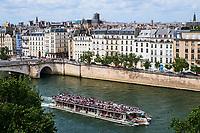 France, Paris (75), zone classée Patrimoine Mondial de l'UNESCO, les rives de la Seine, bateau mouche // France, Paris, Unesco world heritage, Seine river, bateau mouche