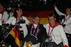 Trabert, Angelika;<br /> Brenner, Hannelore;<br /> Näpel, Britta Fliegl, Bernhard;<br /> Zeibig, Steffen;<br /> Trabert, Angelika;<br /> Weifen, Lena;<br /> Brenner, Hannelore;<br /> Näpel, Britta;<br /> Bando, Britta, <br /> London Paralympics 2012<br /> Siegerehrung Garde III + Garde 1a<br /> © www.sportfotos-lafrentz.de/ Stefan Lafrentz