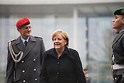 198 / Monti und Merkel beraten ueber Schuldenkrise: EUROPA, DEUTSCHLAND, BERLIN, BERLIN, 11.01.2012: Bundeskanzlerin Angela Merkel (CDU) empfaengt vor dem Bundeskanzleramt in Berlin den italienischen Ministerpraesidenten Mario Monti mit militaerischen Ehren. - Marco del Pra / imagetrust - Stichworte: Stichwort, Model Release: No, Property Release:No