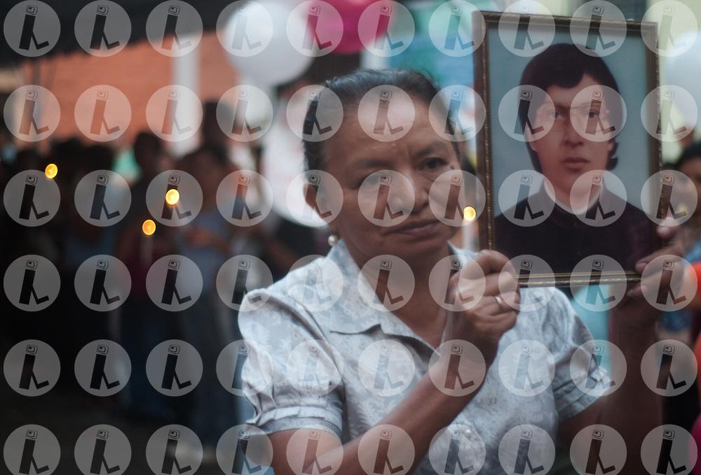 Members of Basic Ecclesial Communities participate Saturday, March 27.2011 in the San Francisco Church in Mejicanos, El Salvador in a posthumous tribute to Miguel Cavada main driver of Popular Education.(Photo: Edgar ROMERO/Imagenes Libres).