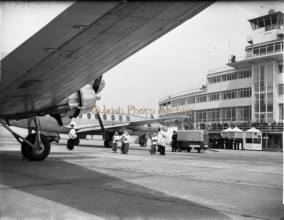 05/06/1955<br /> 06/05/1955<br /> 05th June 1955<br /> Blessing of the Aer Lingus fleet at Dublin Airport. The priest blessing the fleet before the terminal building.