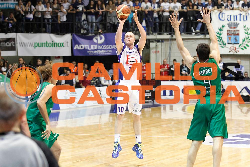 DESCRIZIONE : Desio Campionato Lega A 2011-12 Bennet Cantu Montepaschi Siena<br /> GIOCATORE : Maarten Leunen<br /> CATEGORIA : Tiro Three Points<br /> SQUADRA : Bennet Cantu<br /> EVENTO : Campionato Lega A 2011-2012<br /> GARA : Bennet Cantu Montepaschi Siena<br /> DATA : 12/04/2012<br /> SPORT : Pallacanestro<br /> AUTORE : Agenzia Ciamillo-Castoria/G.Cottini<br /> Galleria : Lega Basket A 2011-2012<br /> Fotonotizia : Desio Campionato Lega A 2011-12 Bennet Cantu Montepaschi Siena<br /> Predefinita :