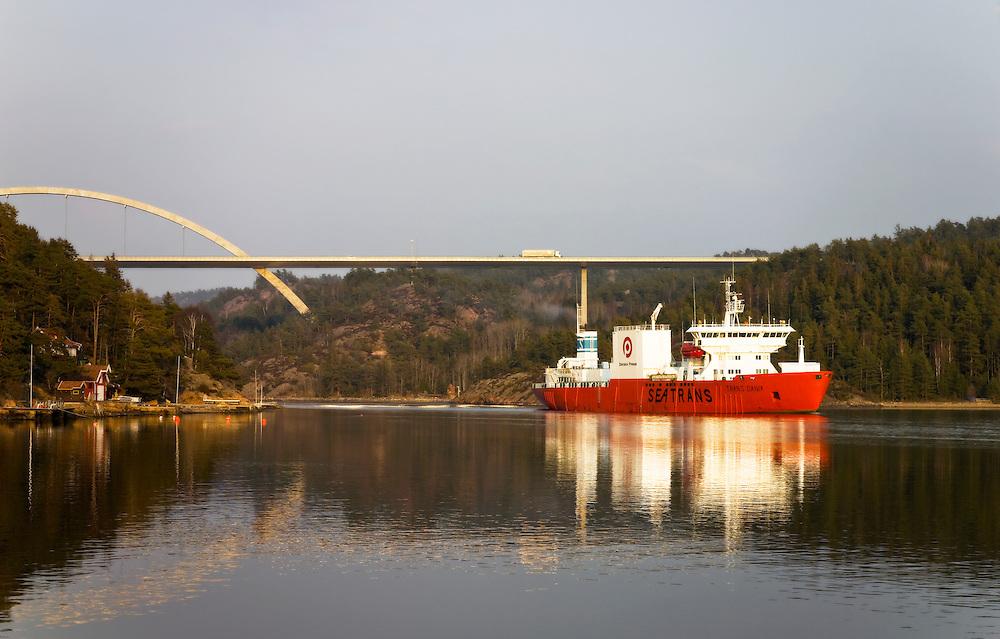 Svinesund bridge, Idefjorden