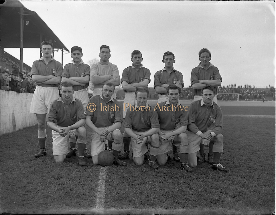 25/01/1953.01/25/1953.25 January 1953.League of Ireland at Milltown Park, Limerick City v Shamrock Rovers. The winning Limerick Team.