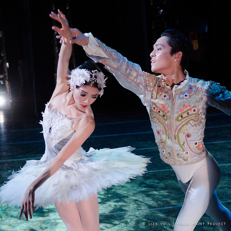 Misa Kuranaga and Jeffrey Cirio in Mikko Nissinen's 'Swan Lake' for Boston Ballet