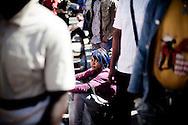 CASERTA. UNA RAGAZZA AFRICANA IMMIGRATA NEL GIORNO DELLA MANIFESTAZIONE PER I DIRITTI DEGLI IMMIGRATI E CONTRO IL RAZZISMO A CASERTA;