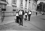 17/09/1968<br /> 09/17/1968<br /> 17 September 1968<br /> ICMSA pickets outside Government Buildings, Merrion Street, Dublin. Picture shows Irish Creamery Milk Suppliers Association pickets from Co. Tipperary, including John O'Connor; Michael Egan; Roger Carey and Nicholas Brett, all from Mullinhall.