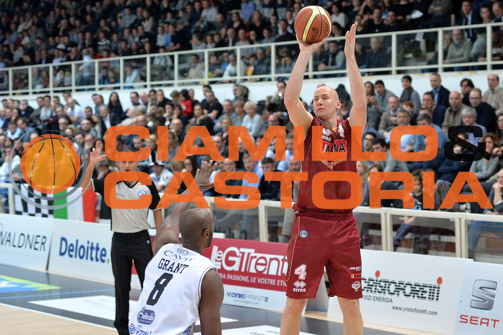 DESCRIZIONE : Trento Lega A 2014-15 Dolomiti Energia Trento vs Umana Reyer Venezia<br /> GIOCATORE : Phil Goss<br /> CATEGORIA : Tiro<br /> SQUADRA : Umana Reyer Venezia<br /> EVENTO : Campionato Lega A 2013-2014<br /> GARA : Dolomiti Energia Trento vs Umana Reyer Venezia<br /> DATA : 26/12/2014<br /> SPORT : Pallacanestro <br /> AUTORE : Agenzia Ciamillo-Castoria/I.Mancini<br /> Galleria : Lega Basket A 2012-2013  <br /> Fotonotizia : Dolomiti Energia Trento Lega A 2013-14 Dolomiti Energia Trento vs Umana Reyer Venezia<br /> Predefinita :
