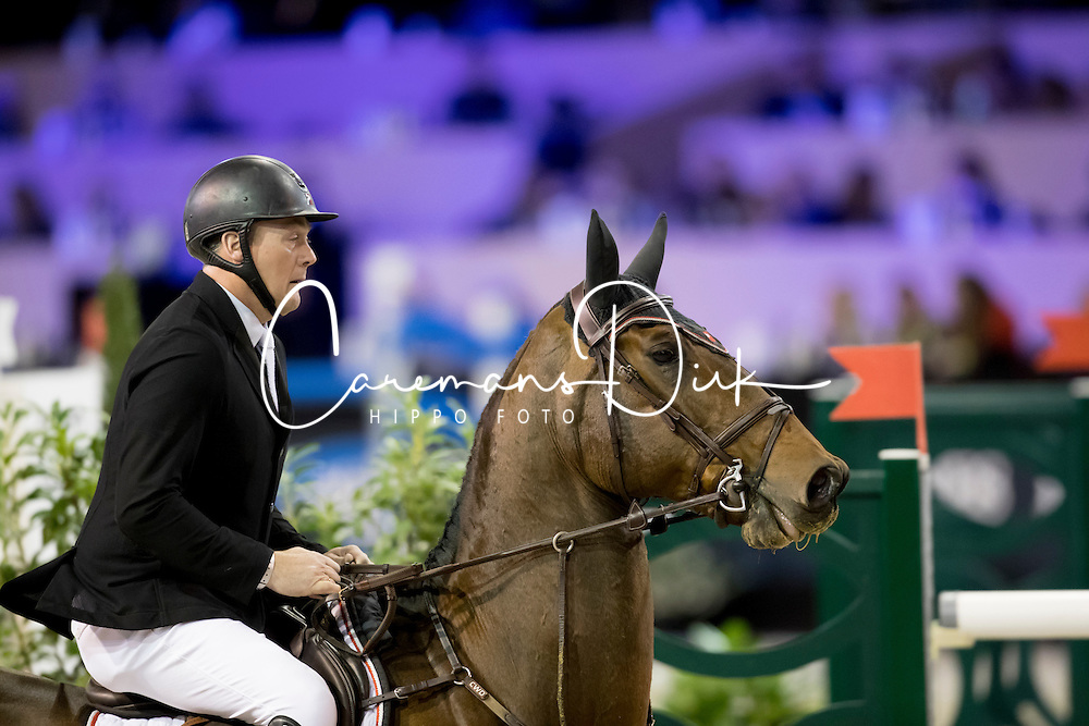 Vos Robert, NED, Carat<br /> Jumping Indoor Maastricht 2016<br /> © Hippo Foto - Dirk Caremans<br /> 12/11/2016