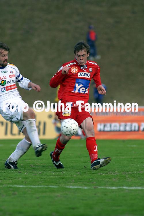 16.05.2004, Kauriala, H?meenlinna, Finland..Veikkausliiga 2004 / Finnish League 2004.FC H?meenlinna v FF Jaro.Jens Portin - Jaro.©Juha Tamminen