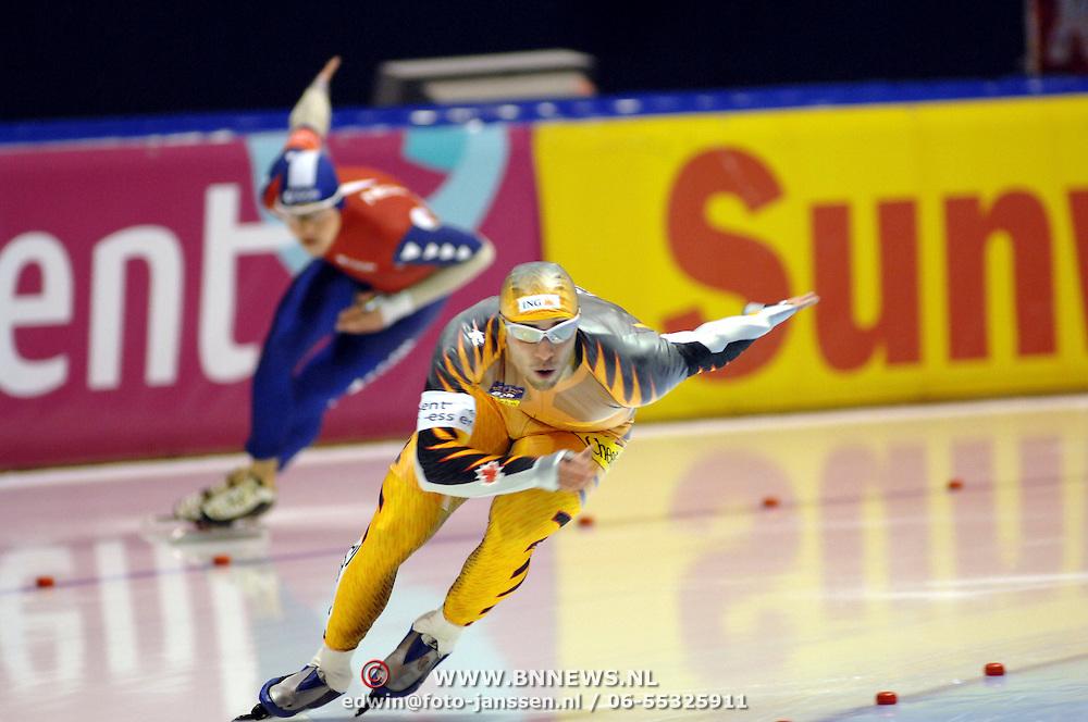 NLD/Heerenveen/20061110 - Essent ISU Wereldbeker Speed Skating, Lars Elgersma en Ermanno Loriatti